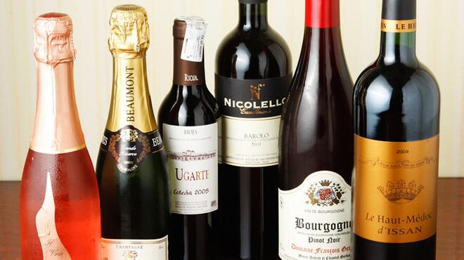 エルベ - 料理写真:リーズナブルな価格のワイン