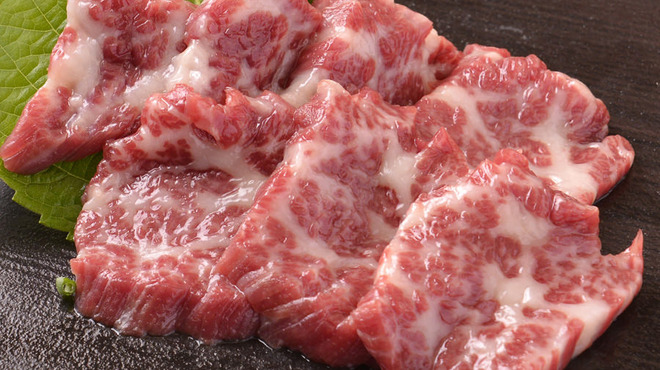 韓国旬菜ハル - 料理写真:馬刺しの盛り合わせ