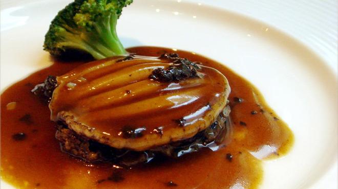 天厨菜館 - 料理写真:【厳選のアワビ】天然の活きたアワビを調理します!