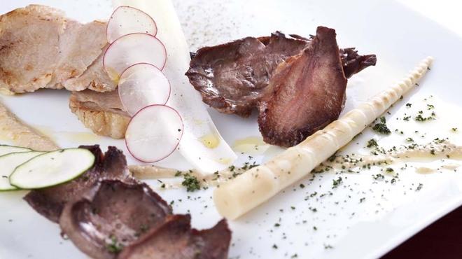 メソン・セルバンテス - 料理写真:イベリコ豚のプランチャ(鉄板焼)