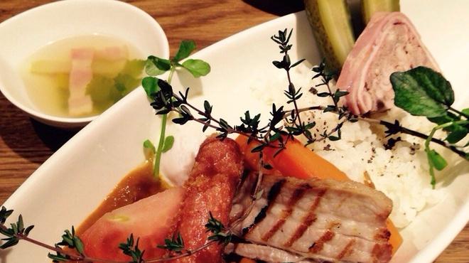 フレンチ食堂ぶどう - 料理写真:ぶどうの特製カレーライス
