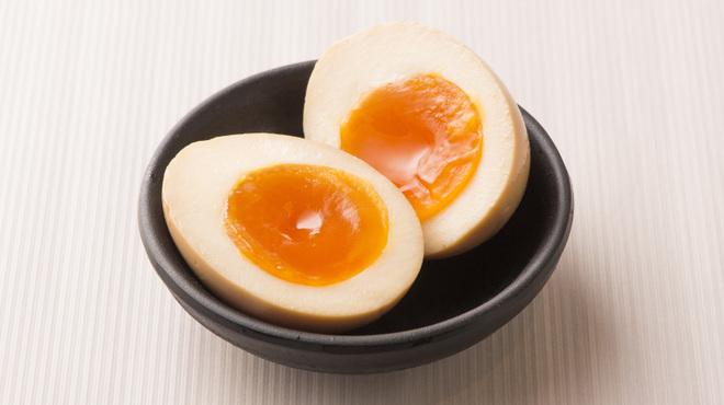 らーめん二男坊 - 料理写真:味付半熟煮玉子
