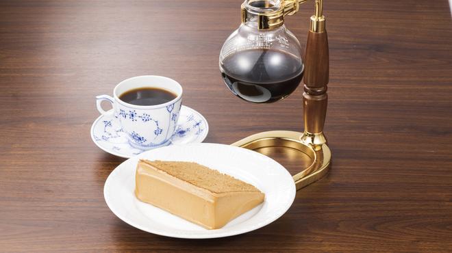 椿屋珈琲店 - 料理写真:シフォンケーキセット