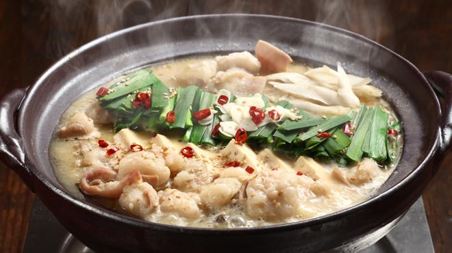 もつ鍋・水炊き 博多若杉 - 料理写真:味噌と酒粕の発酵食品の相乗効果でやさしい風味に仕上がっております。