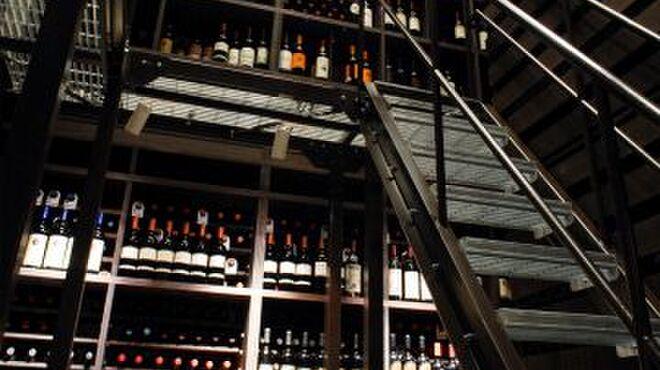 エノテーカ ピンキオーリ - 内観写真:ワイン