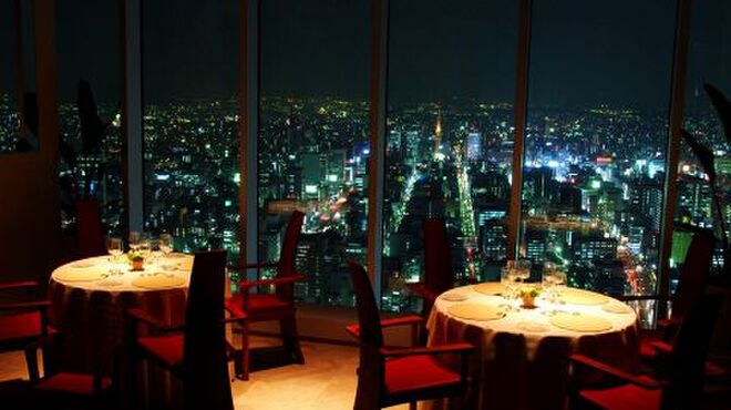 エノテーカ ピンキオーリ - 内観写真:ミッドランドスクエア42Fから名古屋の夜景を眺め最高級のイタリア料理を楽しむ