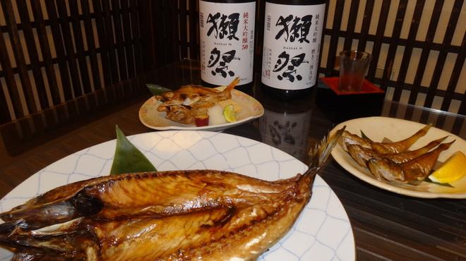 うおよし - 料理写真:手前金華サバハタハタ一夜のどくろ一夜