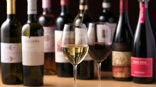 串鉄板 天一 - ドリンク写真:【ワイン】スペインとイタリアのおすすめだけに特化しています