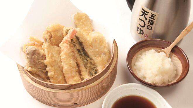 天ぷら海鮮 五福 - 料理写真:少し甘めの濃厚な天つゆ。大根おろしはすきなだけどうぞ!