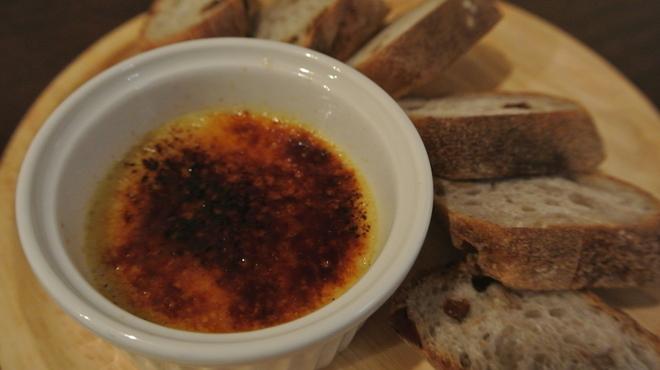 琴似バル - 料理写真:フォアグラのクレームブリュレ