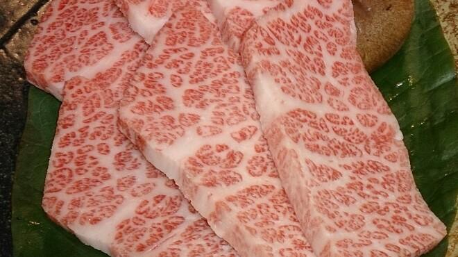 焼肉ひび屋 - 料理写真:宮崎牛特選上カルビ1人前2,380円