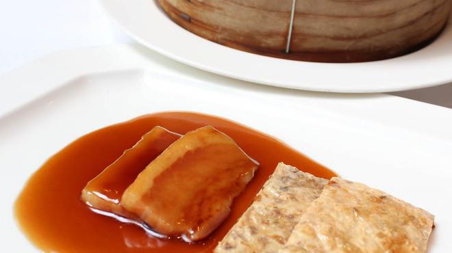 精作名菜軒 湘坊 - 料理写真:自家製ハムの蜂蜜ソースとパリパリ湯葉のサンドウィッチ