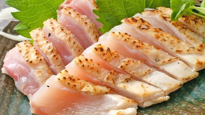 さつまや - 料理写真:こんなに柔らかい地鶏刺身は食べたことない!柔らかくてジューシー!