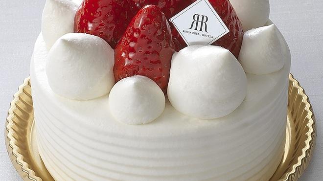 メリッサ - 料理写真:口どけの良い優しい甘さのホイップクリームと甘酸っぱい苺、しっとりとしたスポンジが奏でる二層のケーキ。「苺のデコレーションケーキ¥3,240(約12㎝)」
