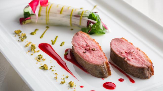 エノテーカ ピンキオーリ - 料理写真:鴨のロースト 野菜のブーケとピスターシュ