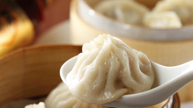 台湾担仔麺 - 料理写真:アツアツ【台湾小龍包】スープがじゅわッと溢れ出てきます♪