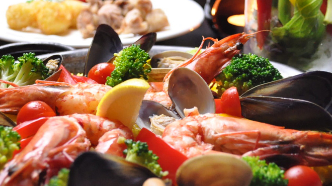 フラミンゴ - 料理写真:魚介のパエリア