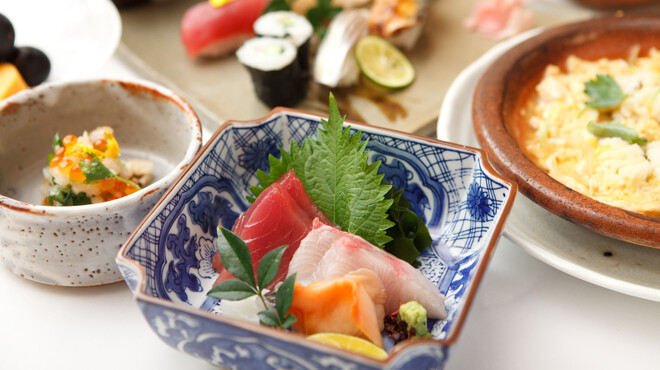 幸楽寿し - 料理写真:旬の食材たっぷりの四季いろいろ会席