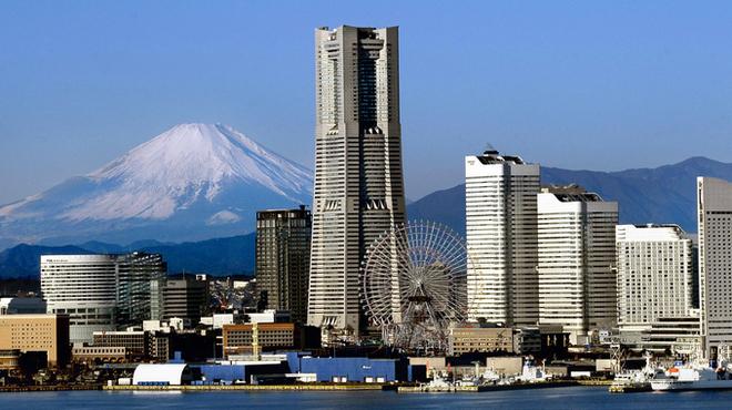 鉄板焼 よこはま - 外観写真:みなとみらいのシンボル「横浜ランドマークタワー」のホテルです