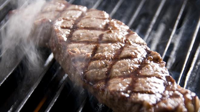 旬菜ステーキ処 らいむらいと - 料理写真:こだわりの焼き方で極上の味わいを…