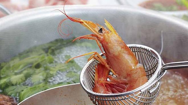 エラワン - 料理写真:野菜たっぷりのタイしゃぶ