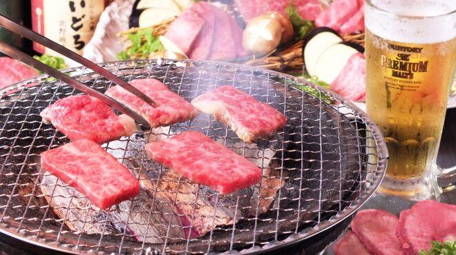 炭火焼肉・にくなべ屋 びいどろ - メイン写真: