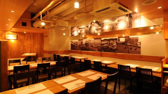 館山海の物産センター銀座船形 - 内観写真:少人数のお食事からご宴会まで、幅広くご利用いただけます