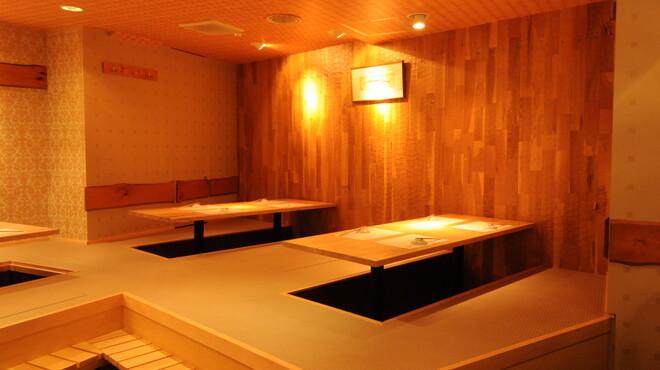 館山海の物産センター銀座船形 - 内観写真:小上がり席での宴会は人気です。