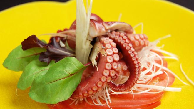 オラ - 料理写真:明石地ダコの湯引き 香港醤油で
