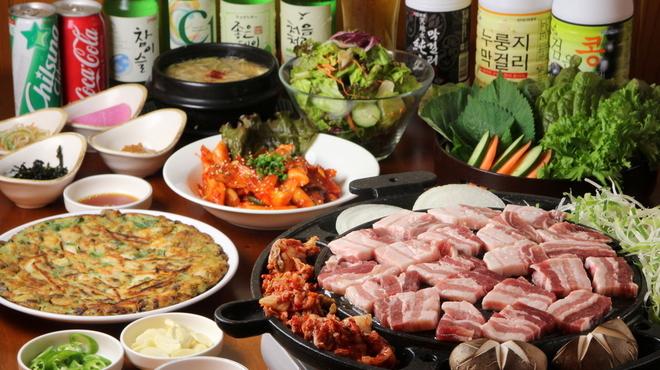 韓国家庭料理 鐘路本家 - メイン写真: