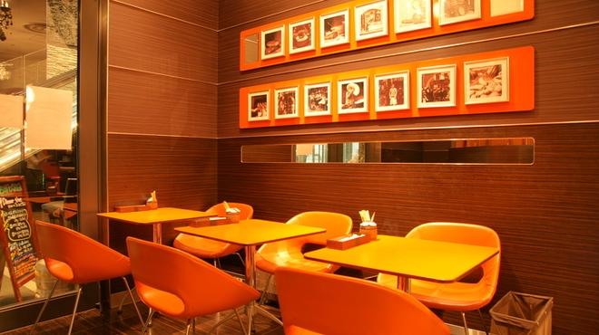 メゾンカイザーカフェ - メイン写真: