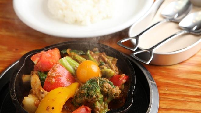 野菜を食べるカレー camp mark is 静岡店 キャンプ 長沼 カレー