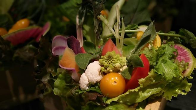 どろまみれ - 料理写真:名物!15種の生野菜盛り
