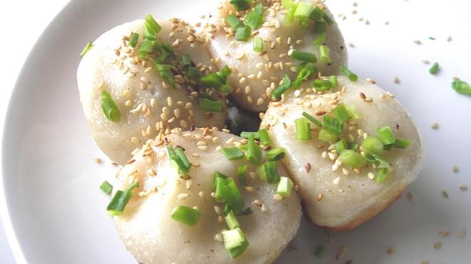 上海小籠包厨房 阿杏 - 料理写真:焼き立て熱々上海焼き小籠包!