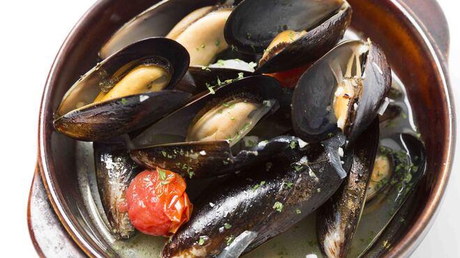 ワインカフェ - 料理写真:ムール貝のシェリー蒸し