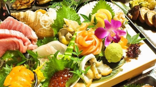 ときしらず - 料理写真:本鮪、平目、ほっけ、時鮭、帆立、にしん、鰤、あいなめ、さめカレイ、生うに、北海蛸、函館烏賊  直送の鮮魚をご用意 盛り合わせ1人前500円