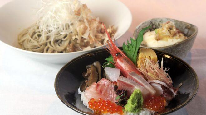 越前蟹の坊 - 料理写真:おろし蕎麦と海鮮ちらし丼(小)の膳