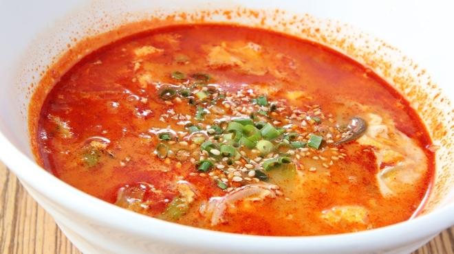 焼肉ここから - 料理写真:赤いスープ