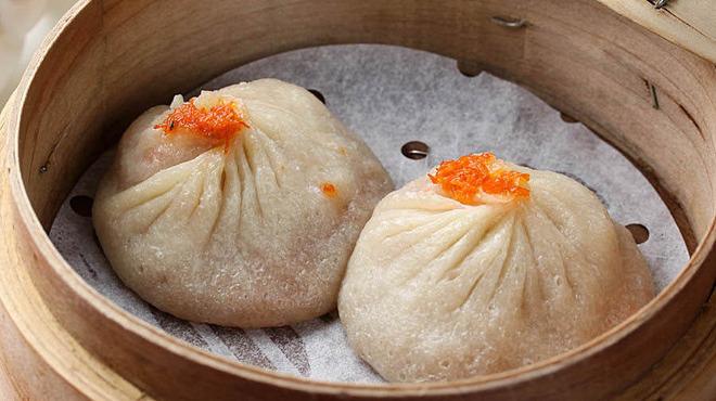 ジョーズ シャンハイ ニューヨーク - 料理写真:一度食べたらやみつきになる美味しさ 肉汁溢れる名物の小龍包