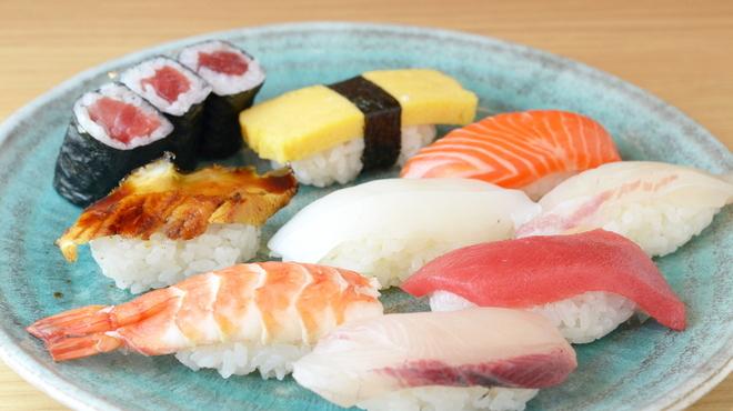 さかなやのmaru寿司 - メイン写真: