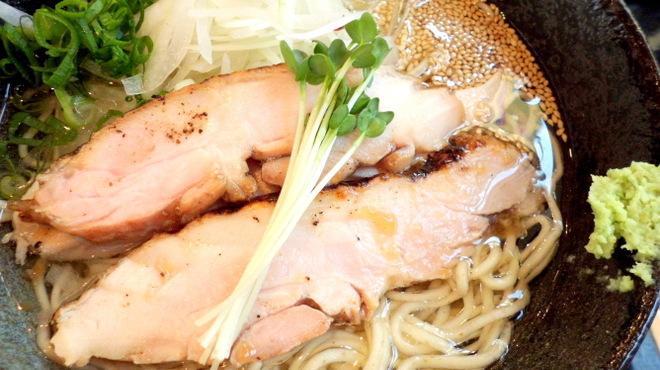 鶏そば - 料理写真:塩 本店鶏そば 肉厚