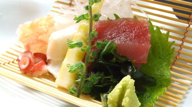 海華月 - 料理写真:おすすめ鮮魚のお造り