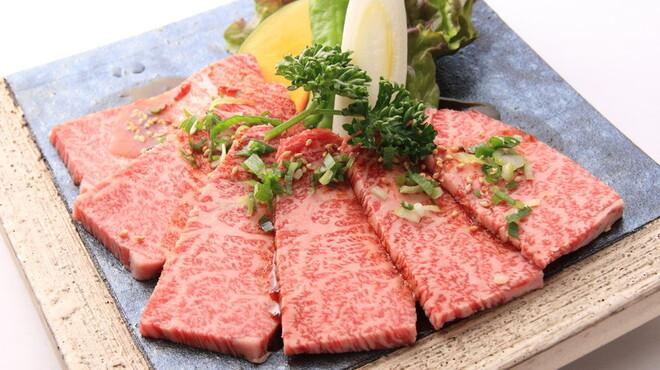 焼肉 本陣 - 料理写真:本陣自慢の上カルビ!!(A5クラス)