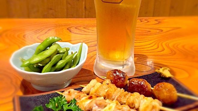 呑み喰い処 福わらひ - 料理写真:乾杯セット(¥980/税抜)オススメです。まずはビール、サワー、ハイボールからお好きな一杯。メインは焼き鳥or日替わりのお刺身から選べます。さらにお新香、枝豆、塩辛から一品。 他にもリーズナブルで美味しいおつまみを多数ご用意しています。
