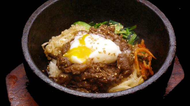 快 - 料理写真:やわらか牛スジ煮込みの石焼ビビンバ