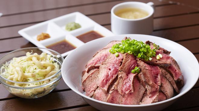 やっぱりステーキ 2nd - その他写真:1日5食限定!!メガ盛りステーキ丼1,000円(税込)