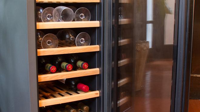 たじ牛 - ドリンク写真:お鍋にワインもよく合います