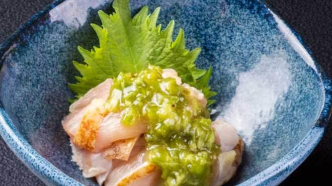 黒船 - 料理写真:さつま知覧鶏のむね肉の茎わさび和え621円