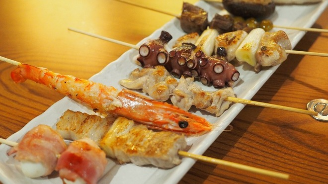 くつろぎ鉄板酔縁 - 料理写真:お任せの串盛りは赤字覚悟の豪華な内容