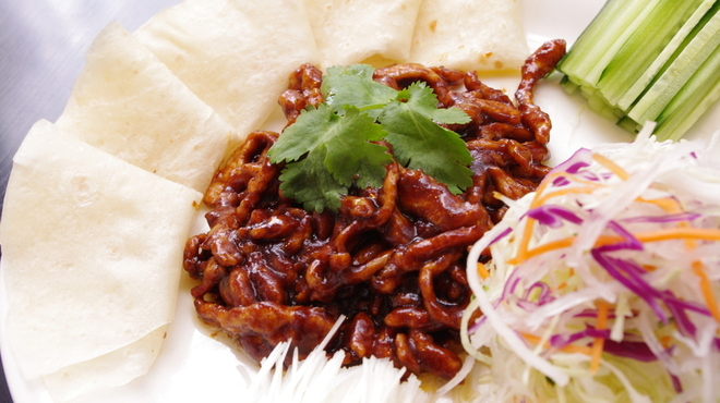 上海小籠包 厨房 阿杏 - 料理写真:豚肉の甘味噌炒め~、クレープに巻いて召し上がってね